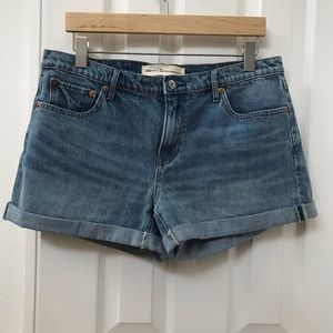 Gap 1969 cuffed raw hem best girlfriend shorts